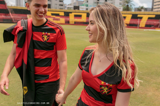 Fotos de casal no campo do Sport Recife | Monise+Junior